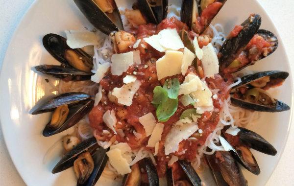 Vermicelles aux fruits de mer (crevettes, pétoncles & moules)