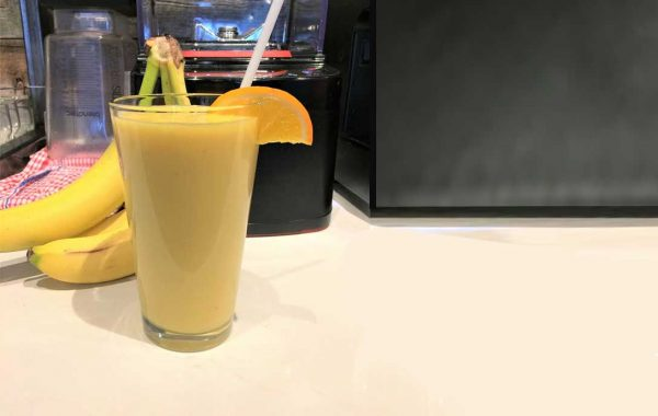 Smoothie exotique réconfortant mangues et ananas