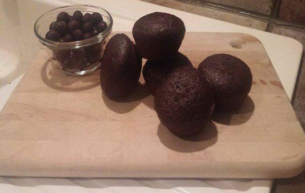 Muffins au chocolat noir, yogourt, bleuets et avoine