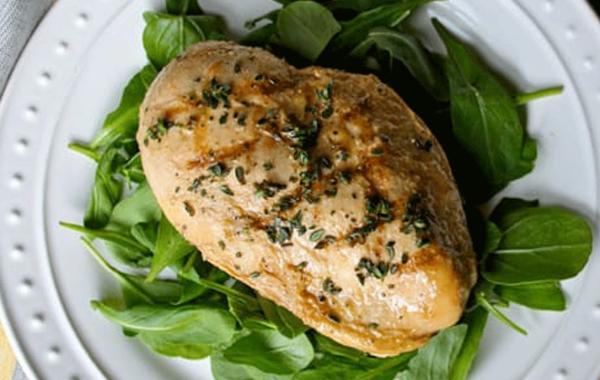 Poulet grillé à la moutarde de Dijon facile et délicieuse